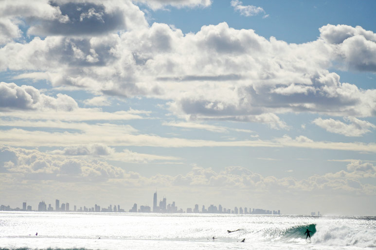 kirra, surfers paradise